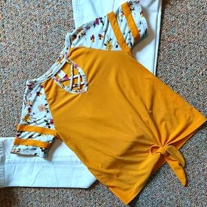 No boundries T-shirt Yellow with floral sleeves Xs